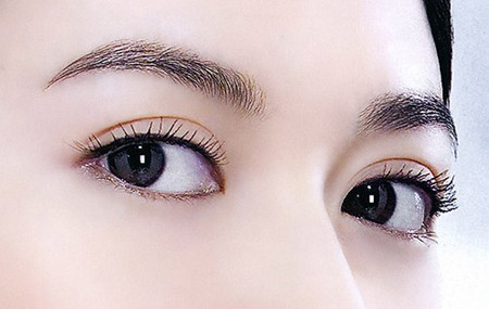 眼睑凹陷能填充吗