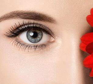 水晶埋线双眼皮效果自然吗