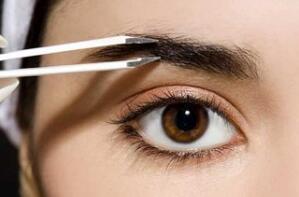 这4种人适合种植眉毛手术