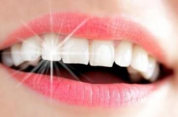 冷光美白牙齿不会伤害口腔组织