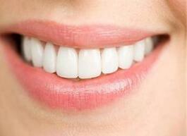 60多岁的老人家也可以通过做种植牙来恢复牙齿功能