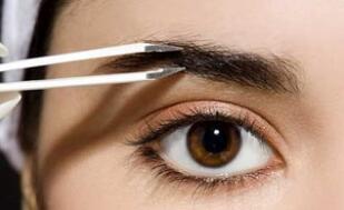 种植眉毛术的危害可以说是非常小的