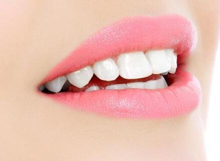 让牙齿美白的妙招有3种