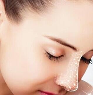 假体隆鼻术后一周内需要注意什么