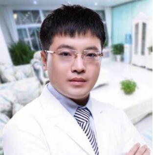 赤峰丽都潘福强医生塑造美鼻子