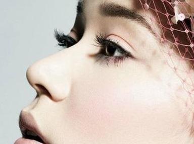 鼻小柱缺损如何修复