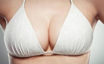 隆胸手术在恢复期不要吃辛辣刺激性的食物