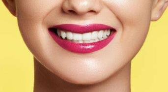 美白牙齿的小窍门