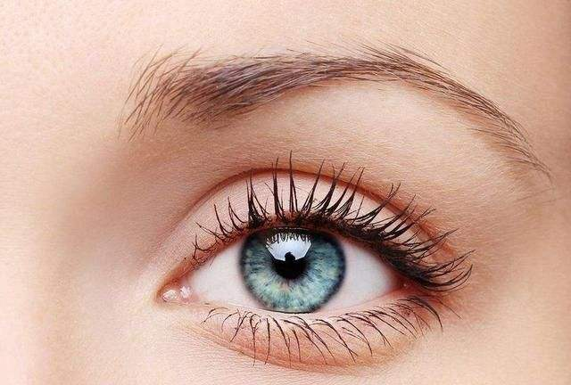 做双眼皮失败修复手术疼吗