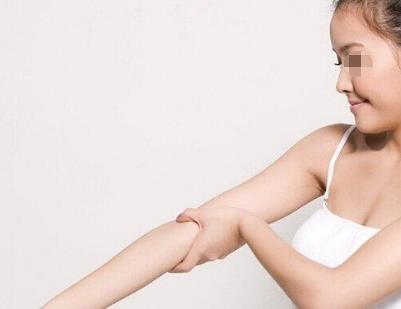 手臂吸脂后多长时间恢复自然