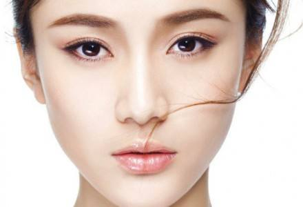 广西桂林假体隆鼻多久拆线