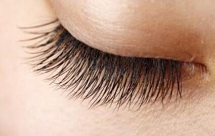 睫毛种植对健康有伤害吗
