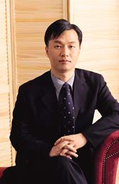 在隆鼻领域中有着很高造诣的郑皓均医生