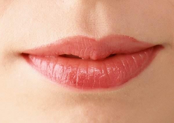 汉中卓美薄唇增厚术前准备复杂吗