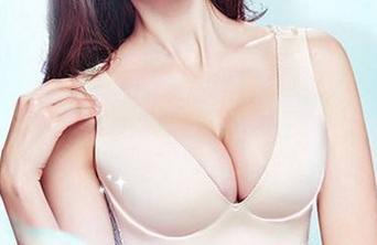 枣庄矿务局医院假体隆胸能处理胸部哪些懊末路