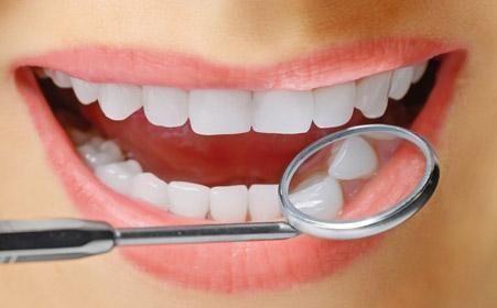 安康永秀冷光牙齿美白伤害牙齿吗