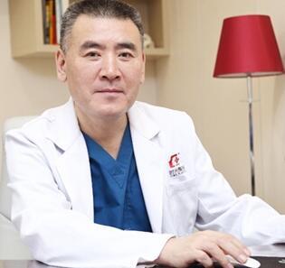 何晋龙 副主任医师照片