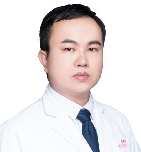 李成 副主任医师照片