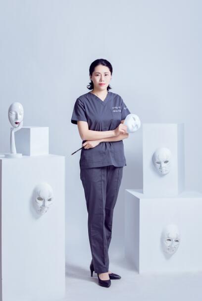 王娜 主治医师照片
