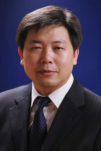 邓裴 副主任医师照片