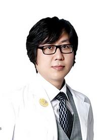 整形醫生崔仁碩