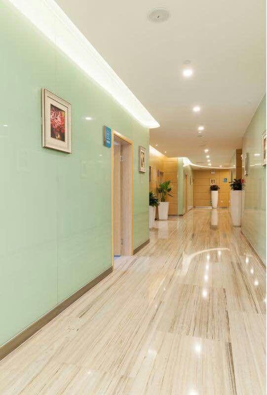 重庆联合丽格美容医院医院内部走道